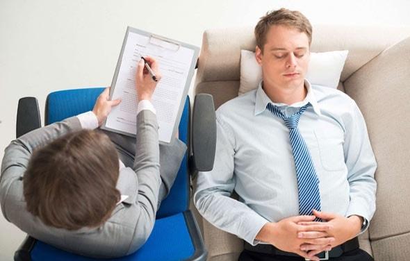 Помогают ли психологи и психотерапевты