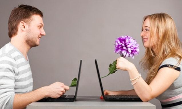 Картинки по запросу Знакомства с девушками в сети